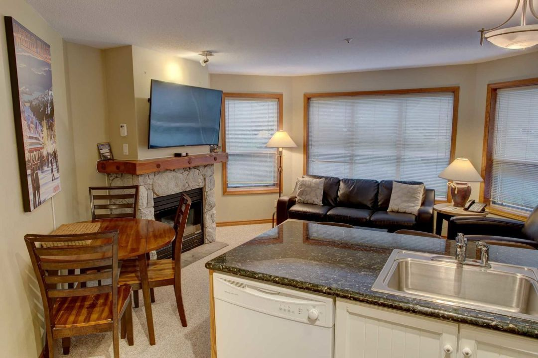 Aspens 2 Bedroom Unit 227 LR3
