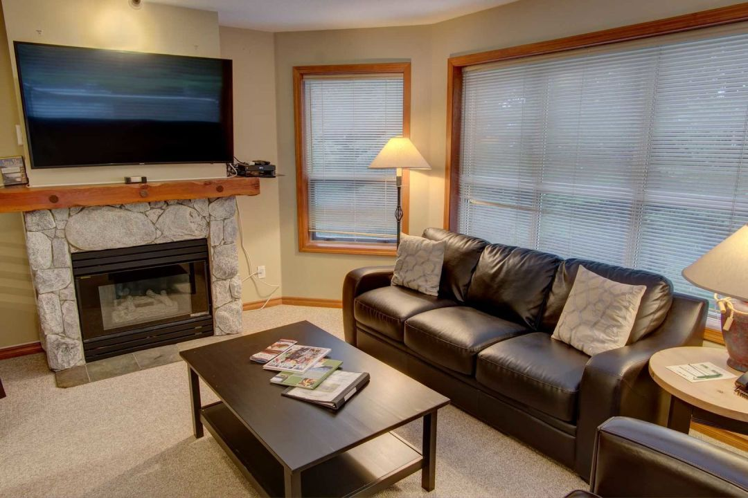 Aspens 2 Bedroom Unit 227 LR5