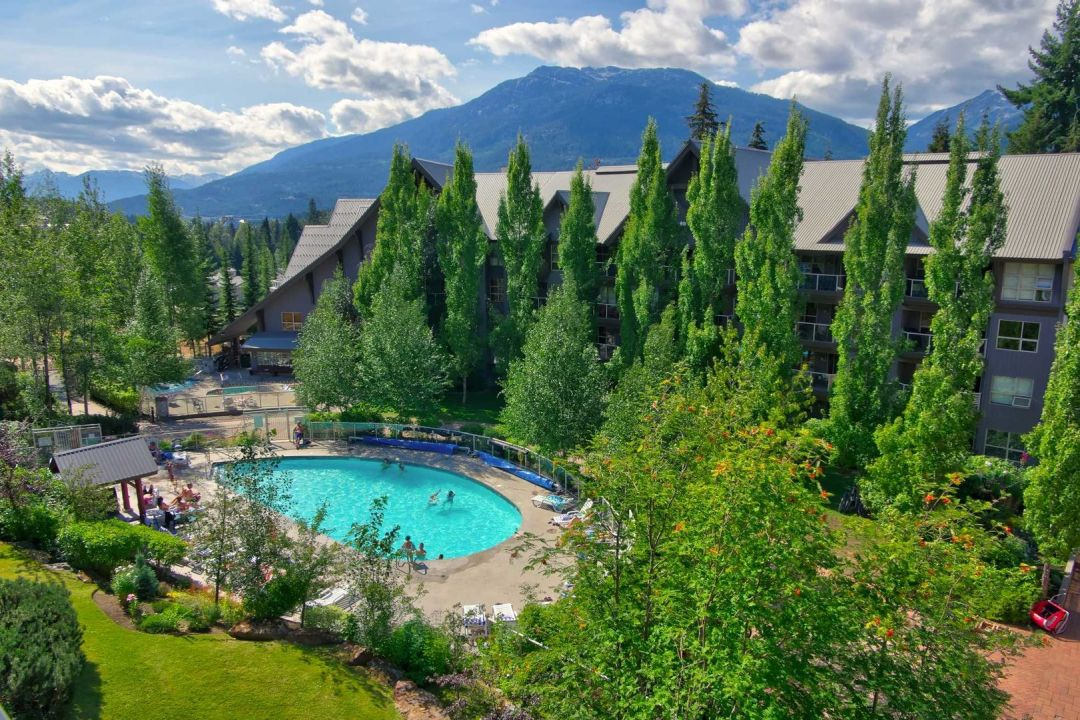 Aspens 1 Bedroom Unit 304 POOL2