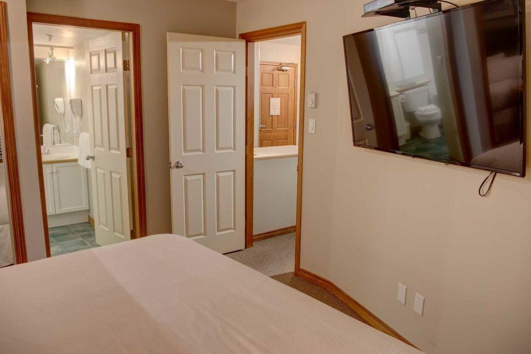 Aspens 2 Bedroom Unit 319 BR2