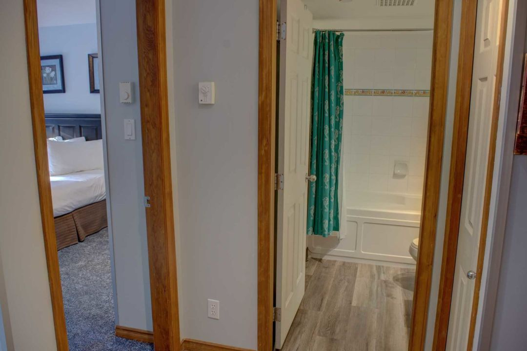 Aspens 1 Bedroom Unit 353 HALL2