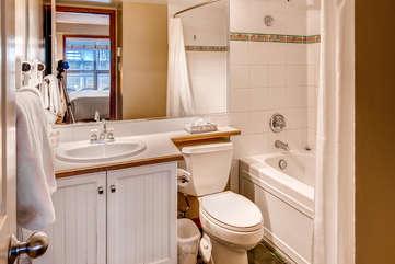 Aspens 2 Bedroom Unit 463 BATH2