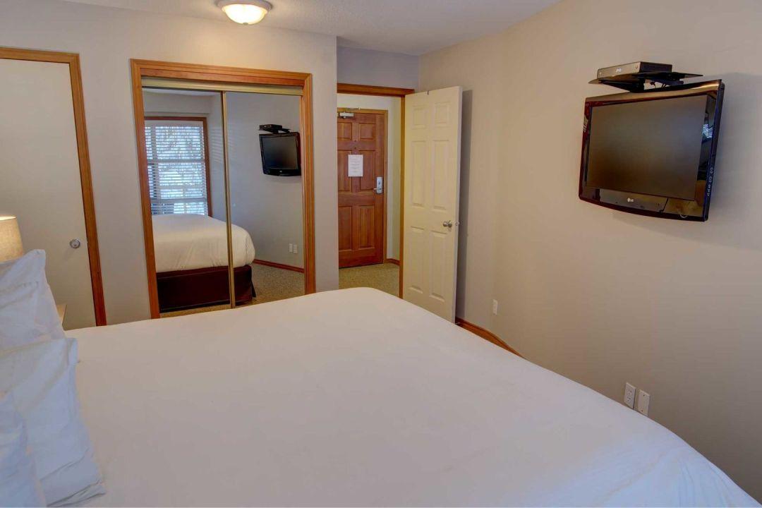 Aspens 1 Bedroom Unit 545 BR3