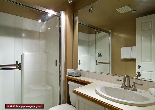 Whistler Aspens 242 Bathroom