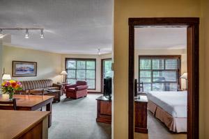 Blackcomb Spring Suites Ski In Ski Out Hotel (10)
