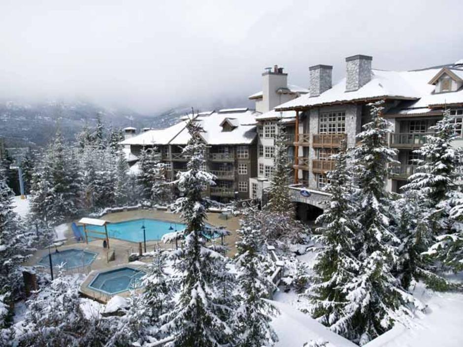 Blackcomb Spring Suites Ski In Ski Out Hotel (4)
