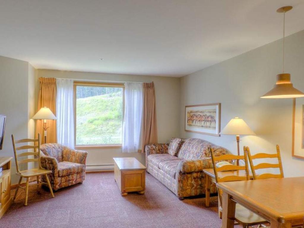 Cahilty Hotel & Suites Studio - LR