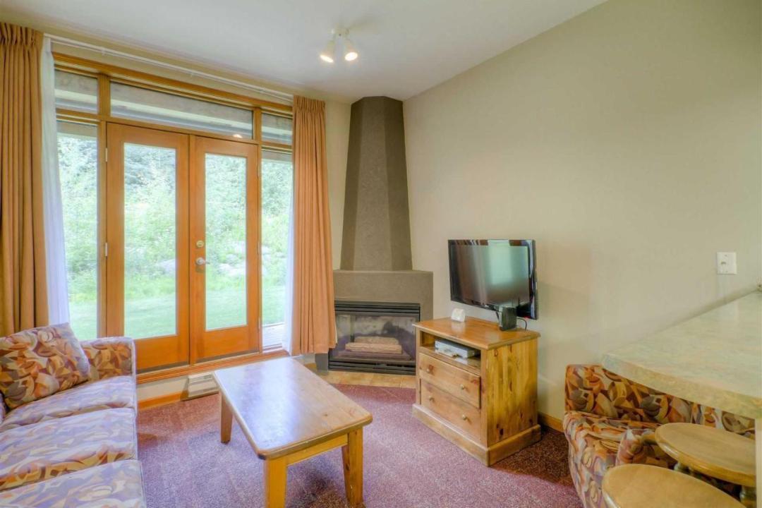 Cahilty Hotel & Suites Stuio Family Suite LR2