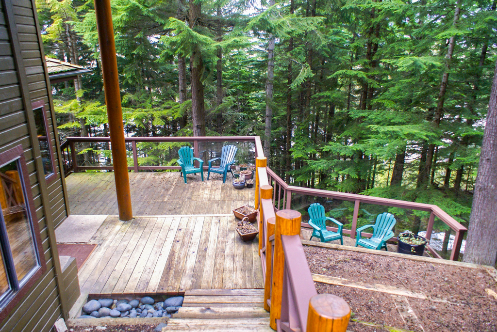 Cedar Hollow 1 Bedroom Unit #6 DECK
