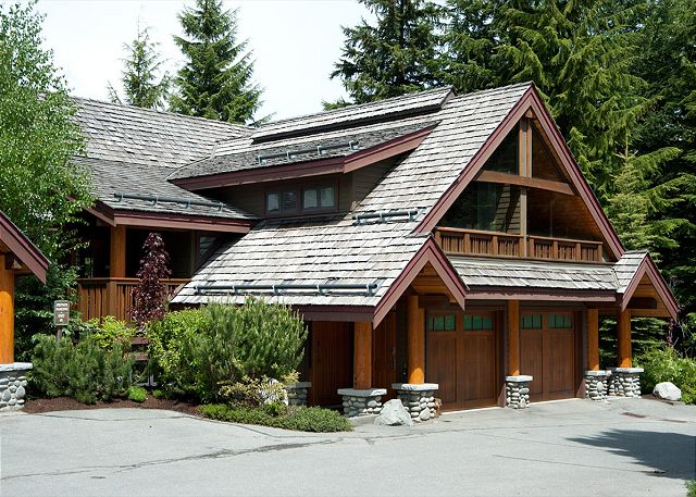 Cedar Hollow Whistler 8 Exterior