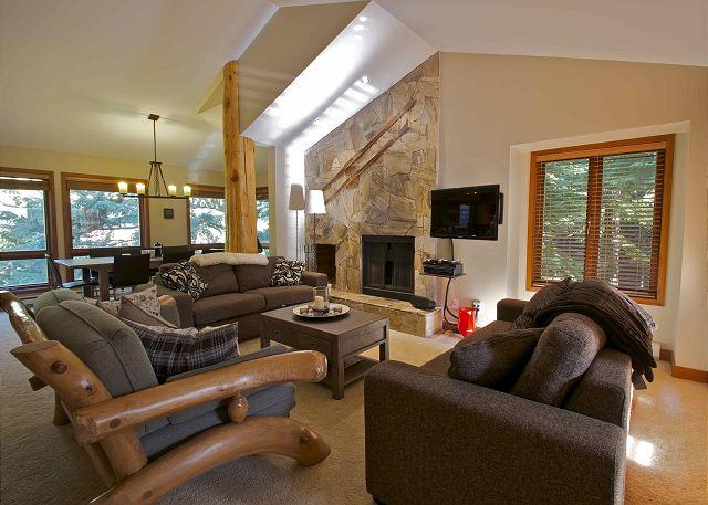 Cedar Hollow Whistler 8 Living Room