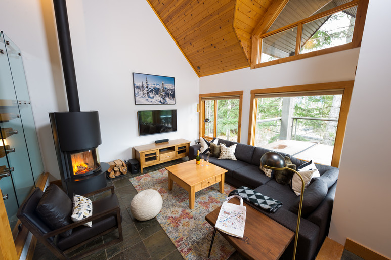 Cedar Ridge Whistler Ski In Ski Out Living Rm