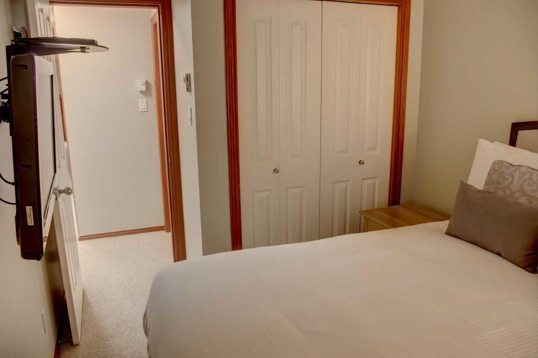Glacier's Reach 1 Bedroom Unit 101 BR