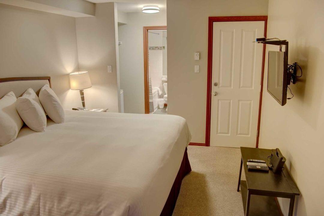 Glacier's Reach 1 Bedroom Unit 101A BR