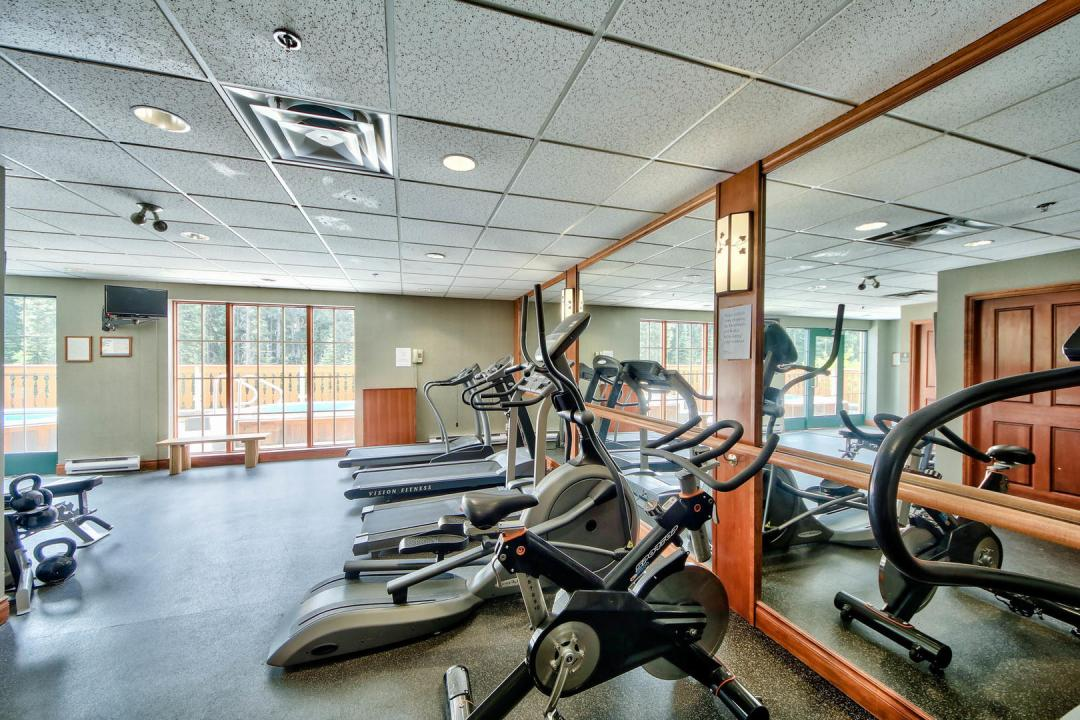 Hearthstone Lodge Lofted Family Suite GYM