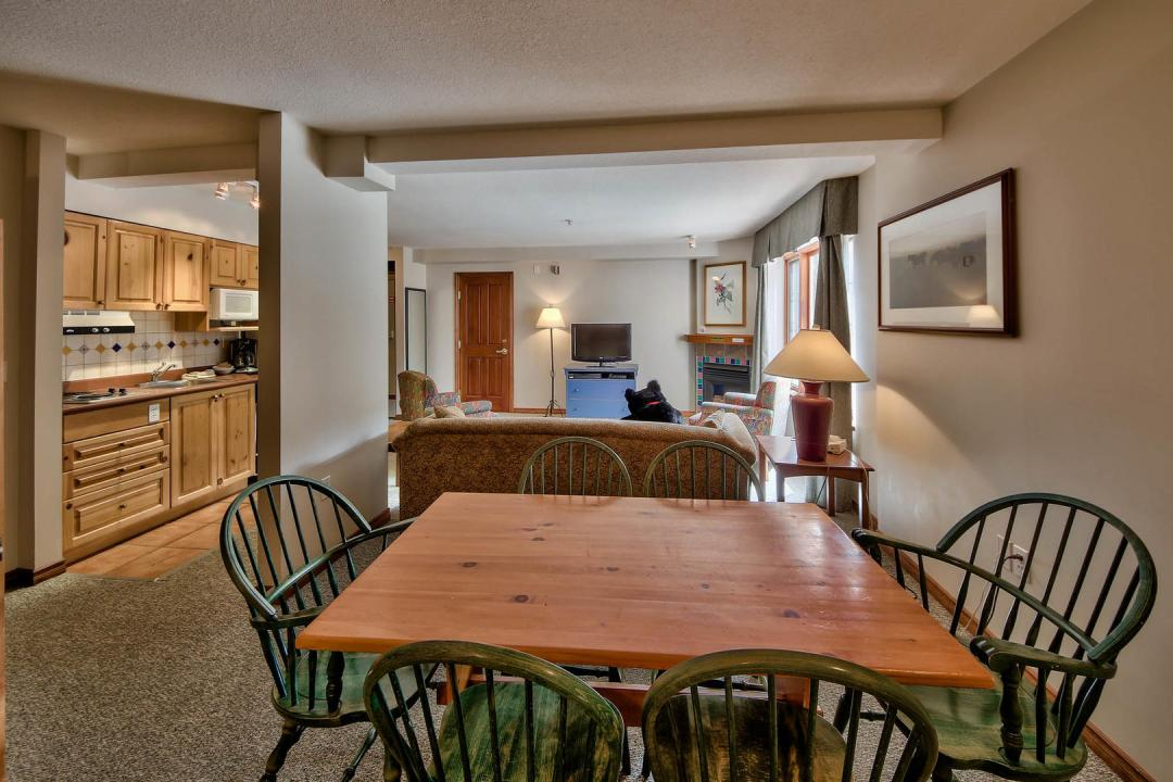 Hearthstone Lodge Studio Family Suite DR