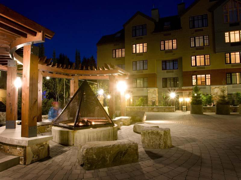 Hilton Whistler Hotel Court
