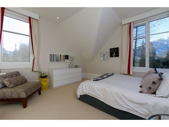 Nicklaus North Luxury Rental Home Whistler (1)