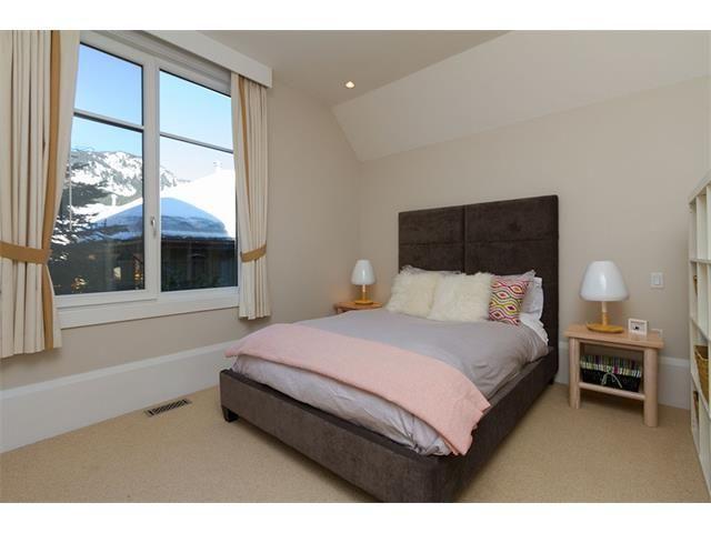 Nicklaus North Luxury Rental Home Whistler (8)