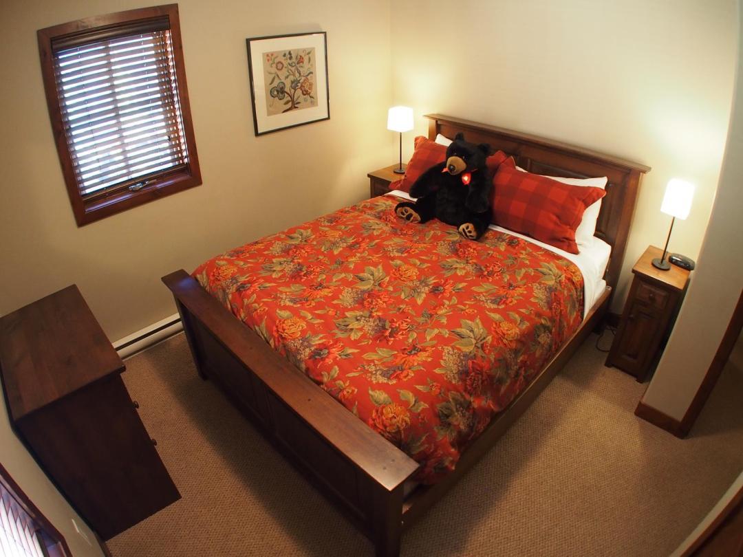 Trapper's Landing 4 Bedroom + Den Unit #1 BR