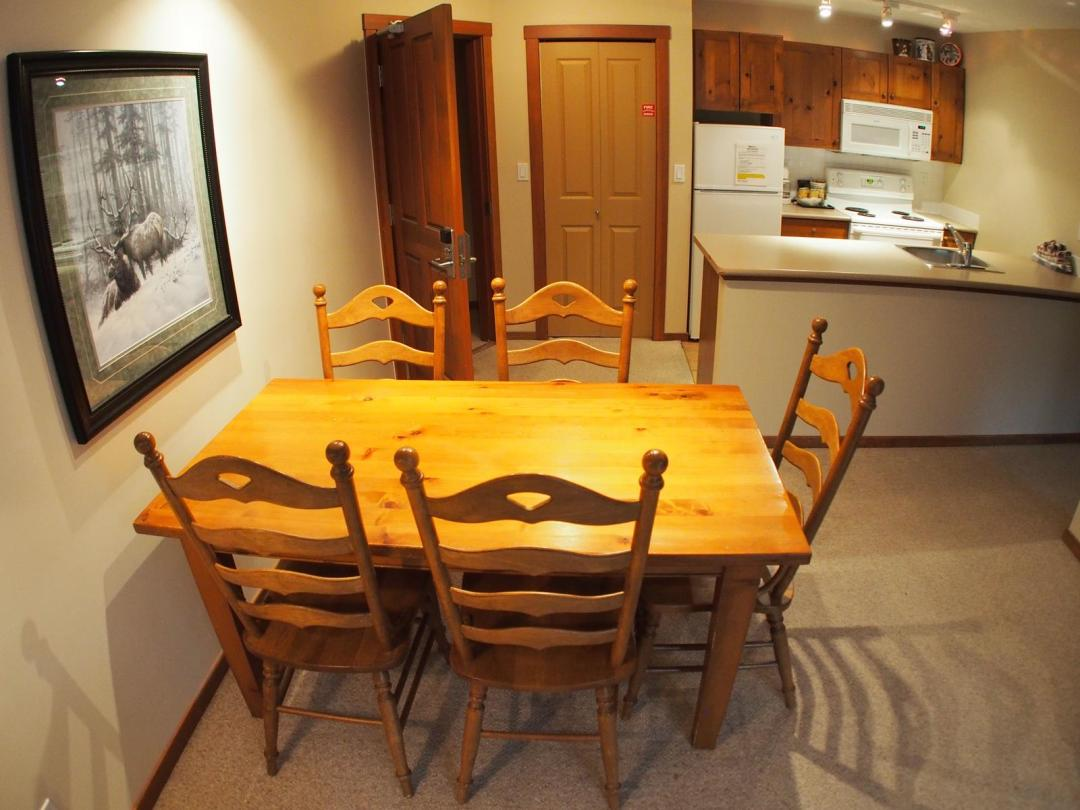 Fireside Lodge Two Bedroom Unit #302 DR