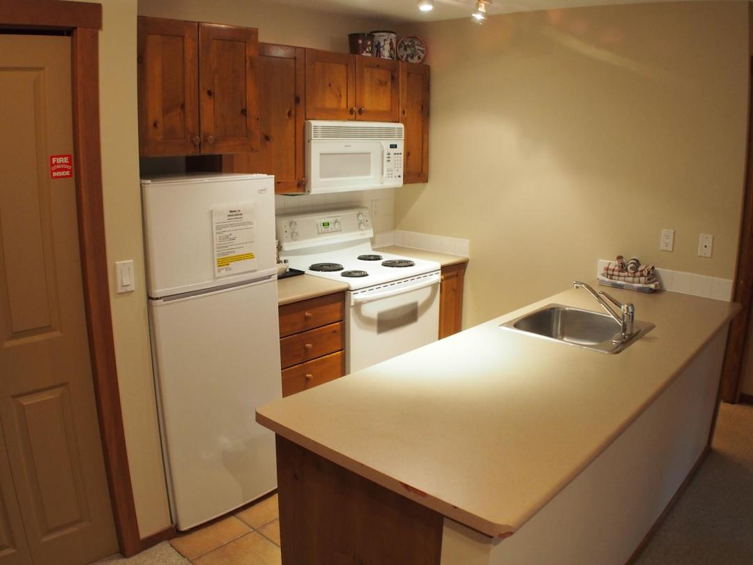 Fireside Lodge Two Bedroom Unit #302 KIT
