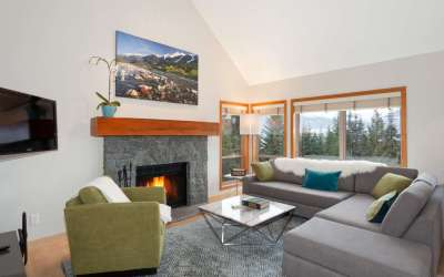 Accommodation Ski In Ski Out Whistler Painted Cliff