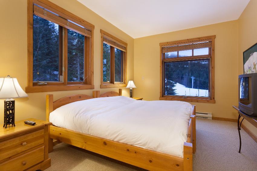 Taluswood The Ridge 14 Ski In Ski Out 6 Bedroom (13)