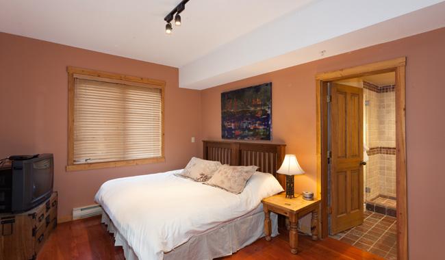 Taluswood The Ridge 14 Ski In Ski Out 6 Bedroom (43)