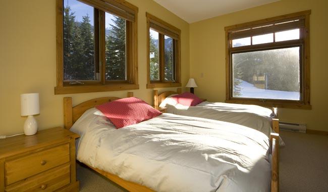 Taluswood The Ridge 14 Ski In Ski Out 6 Bedroom (49)