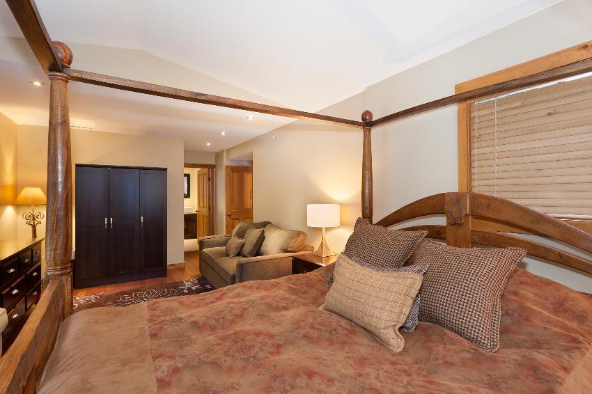 Taluswood The Ridge 14 Ski In Ski Out 6 Bedroom (9)