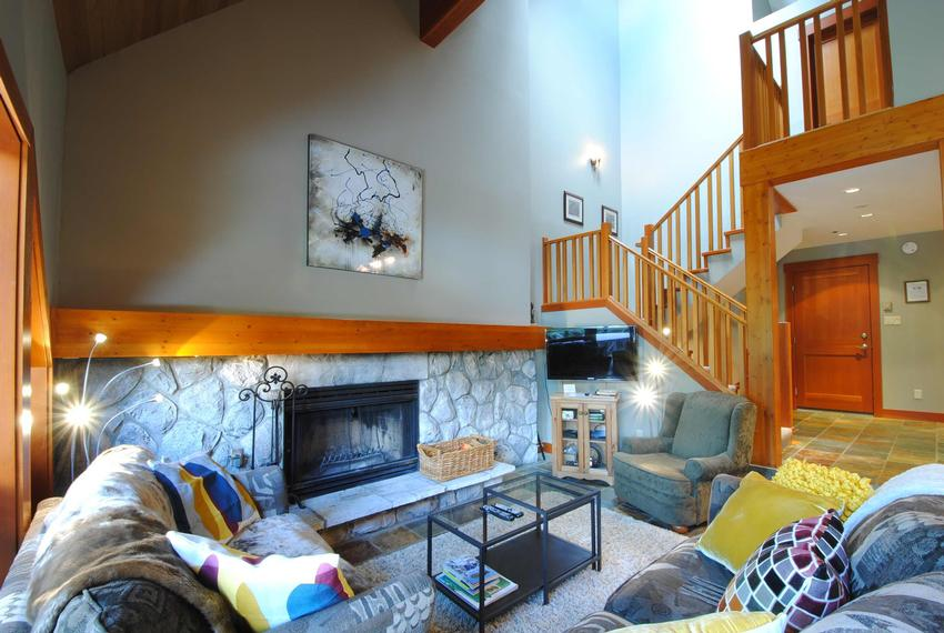 Whistler Accommodation Pinnacle Ridge 4 Bedroom