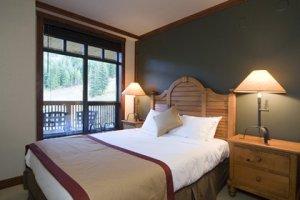 Whistler First Tracks Lodge 3 Bedroom