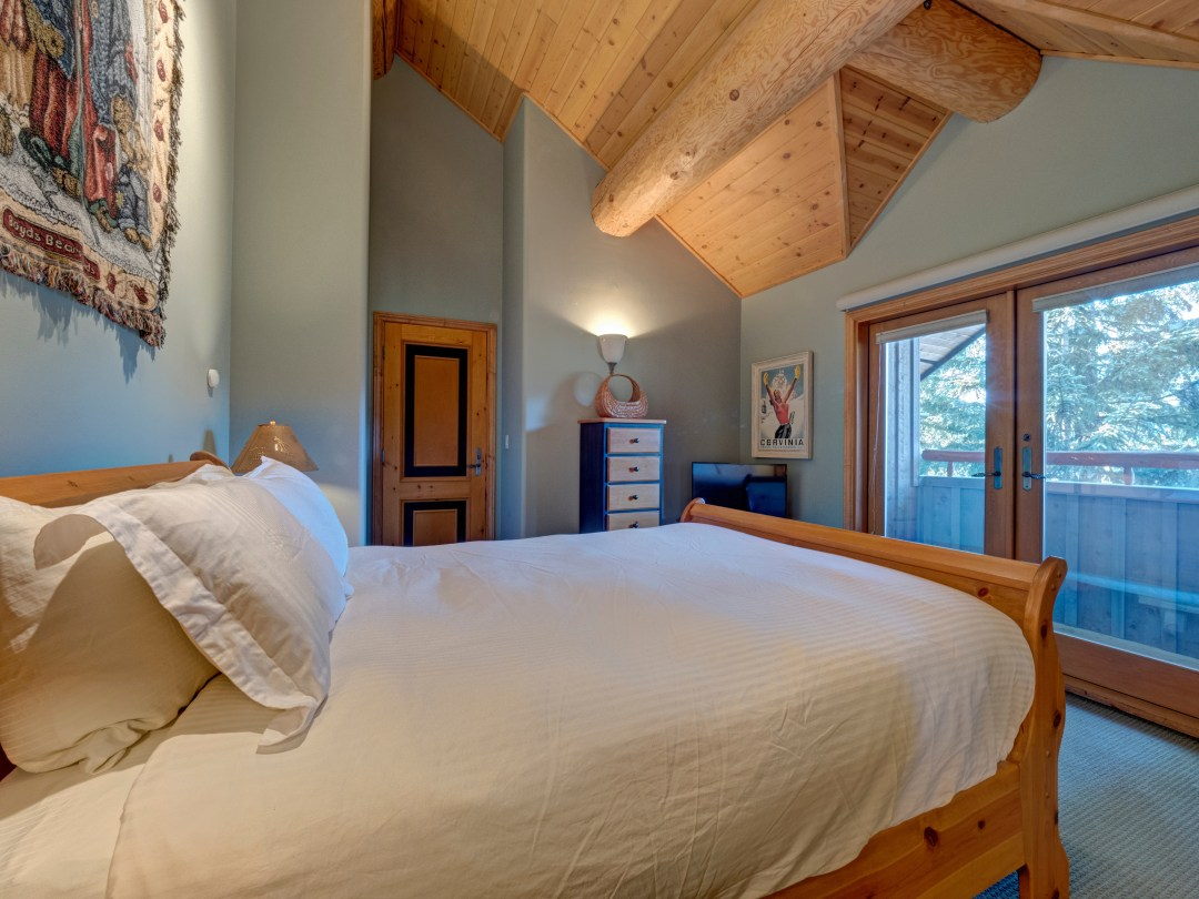 Whistler Luxury Ski In Ski Out 5 Bedroom Chalet Home (28)