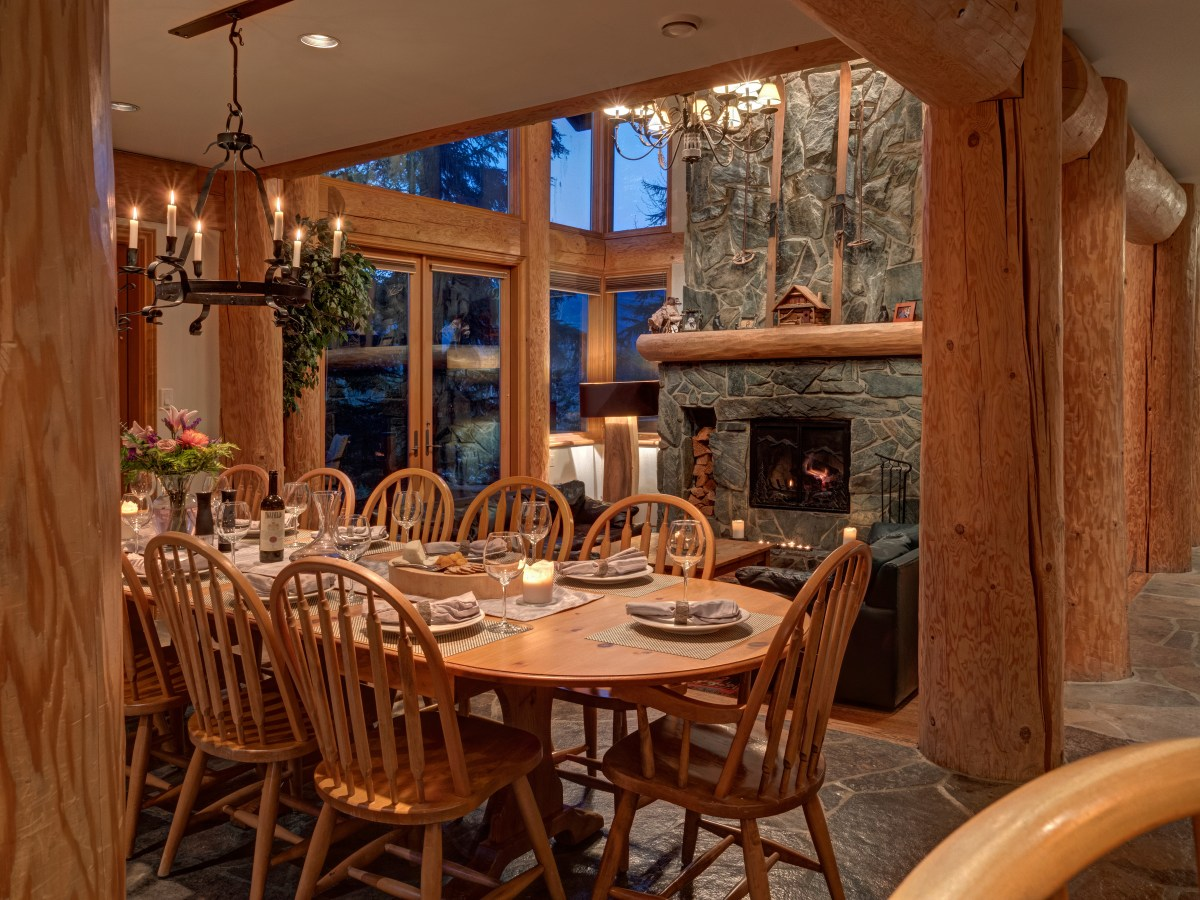 Whistler Luxury 5 Bedroom Ski In Ski Out Chalet Home