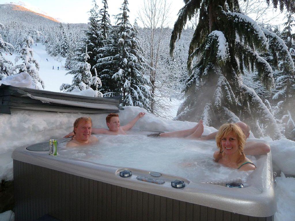 Whistler Luxury Ski In Ski Out Rental Home (15)