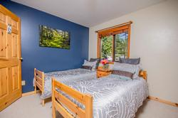 Whistler Mountain Rental House 6 Bedroom (11)