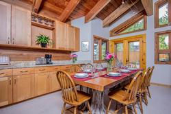 Whistler Mountain Rental House 6 Bedroom (14)