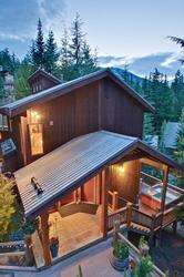 Whistler Mountain Rental House 6 Bedroom (15)