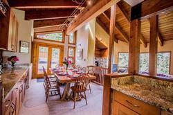 Whistler Mountain Rental House 6 Bedroom (17)