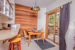 Whistler Mountain Rental House 6 Bedroom (27)