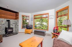 Whistler Mountain Rental House 6 Bedroom (29)