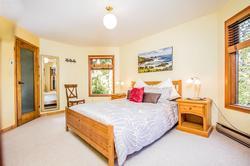 Whistler Mountain Rental House 6 Bedroom (7)