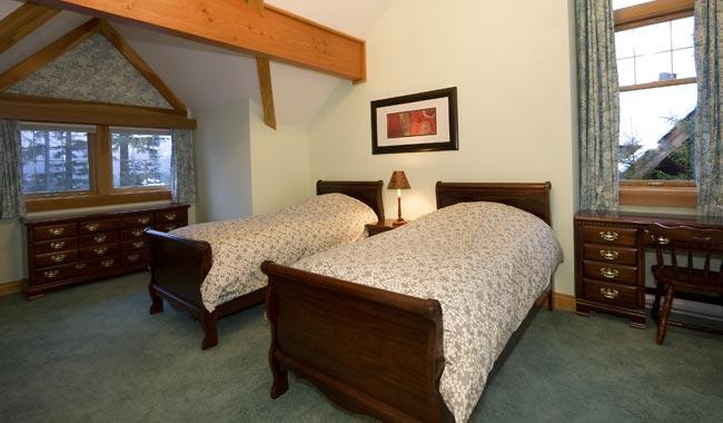 Whistler Six Bedroom Chalet (7)