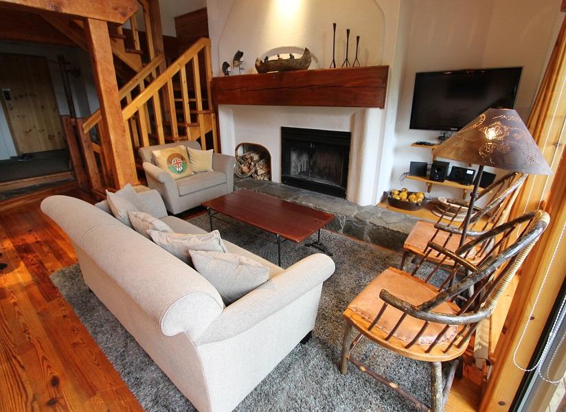 Whistler Pinnacle Ridge 3 Bedroom + Den