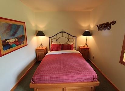 Whistler Pinnacle Ridge 5 Bedroom Queen