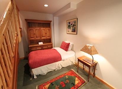 Whistler Pinnacle Ridge 5 Bedroom Bed