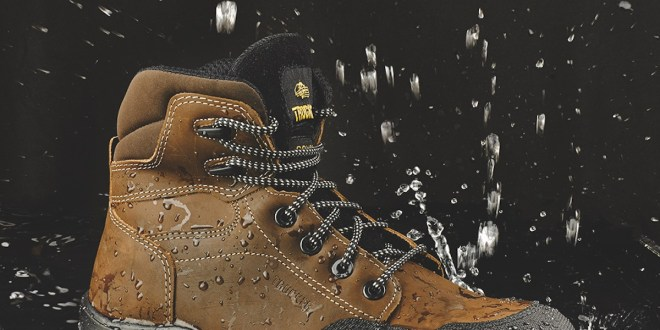 Stylish safety boots