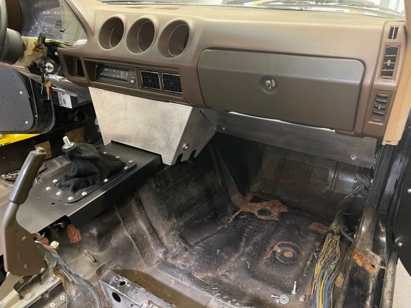 280ZX Dash Center and Passenger Side Panels