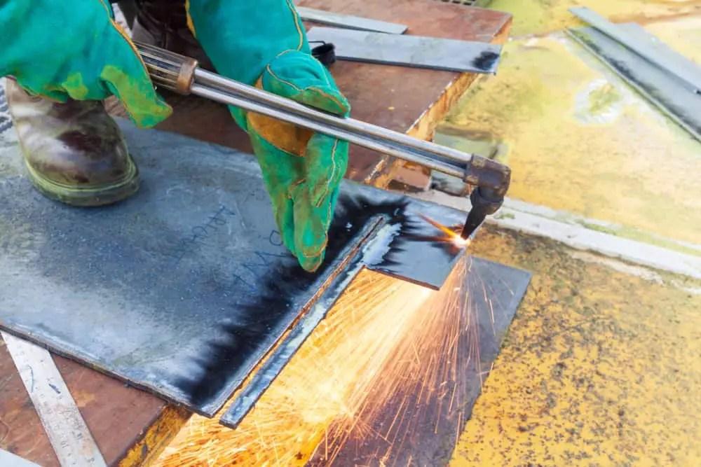 How to weld 20-gauge sheet metal